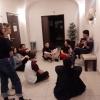 wieczorne śpiewanie z wolontariusze z Hondurasu